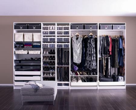 Roperos modernos para casas con espacio for Roperos empotrados para dormitorios con espejo