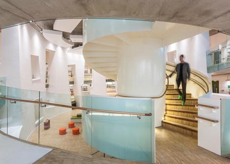 Moderna biblioteca londinense 6