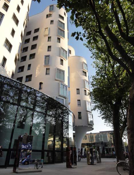 Moderna biblioteca londinense 8