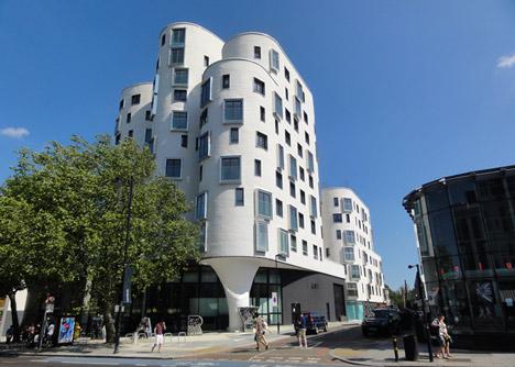 Moderna biblioteca londinense 10