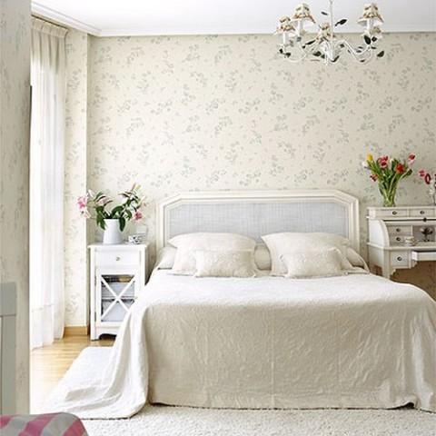 Habitaciones con papel pintado for Papeles para empapelar dormitorios