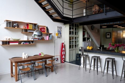 un loft en un espacio industrial. Black Bedroom Furniture Sets. Home Design Ideas