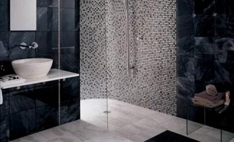 Renueva las paredes con mosaicos for Revestimiento de paredes para duchas