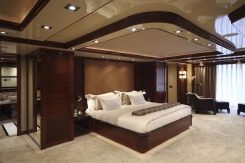 La decoraci n de un lujoso yate for Decoracion barcos interiores