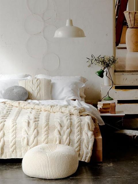 Camas con ropa de lana y punto01