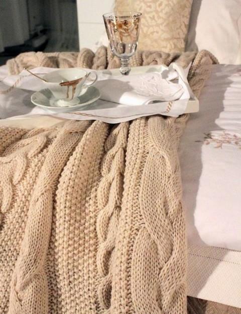 Camas con ropa de lana y punto06