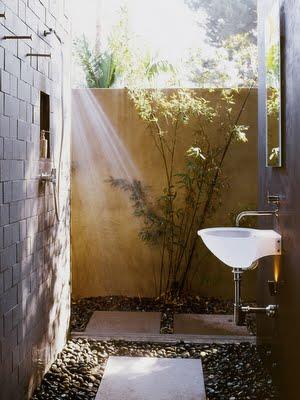 Ideas para duchas al aire libre05