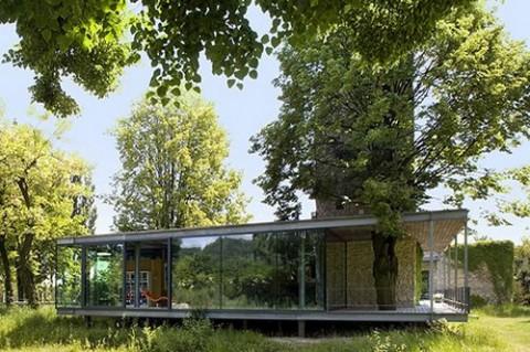 Casa de cristal y en armonía con la naturaleza-02