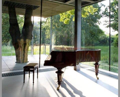 Casa de cristal y en armonía con la naturaleza-05