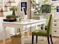 imagen Una oficina en casa en verde pistacho