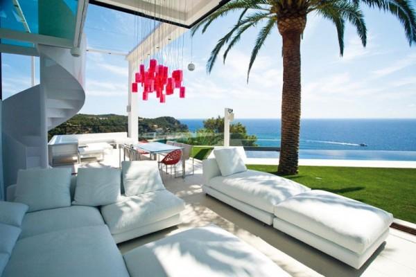 Una casa paradis aca for Casas modernas junto al mar