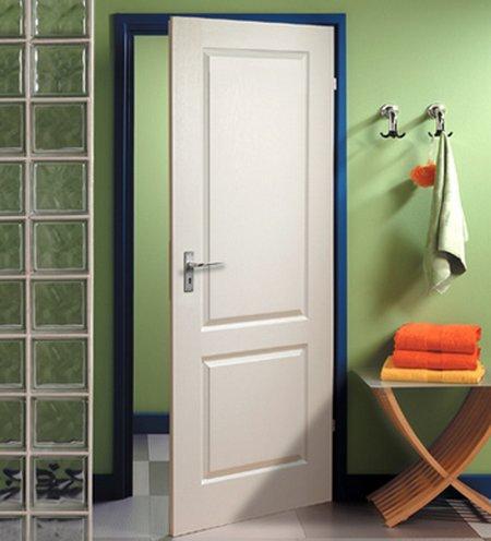 Pinta los marcos de puertas y ventanas for Pintar puertas de blanco en casa