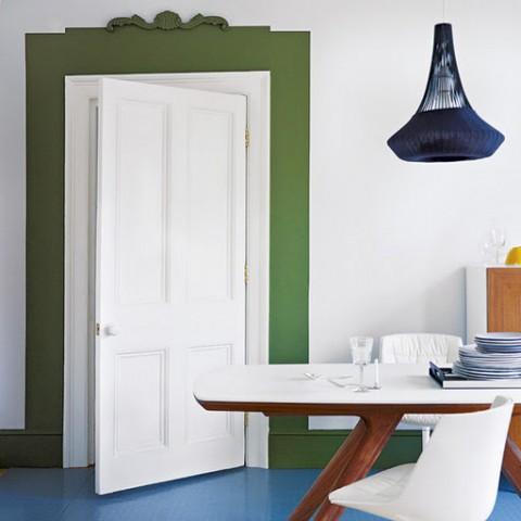 Pinta los marcos de puertas y ventanas for Decorar puertas viejas de interior