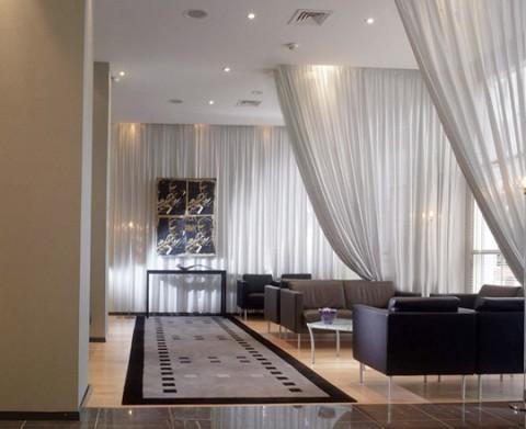 Separa ambientes con cortinas 03