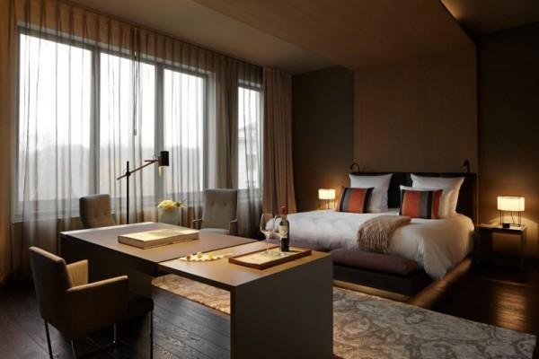 Puro diseño e historia de un hotel en Berlín-06