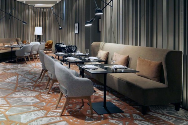 Puro diseño e historia de un hotel en Berlín-08