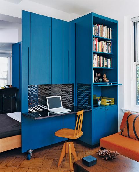 Algo m s que un escritorio azul for Oficina zona azul ibiza