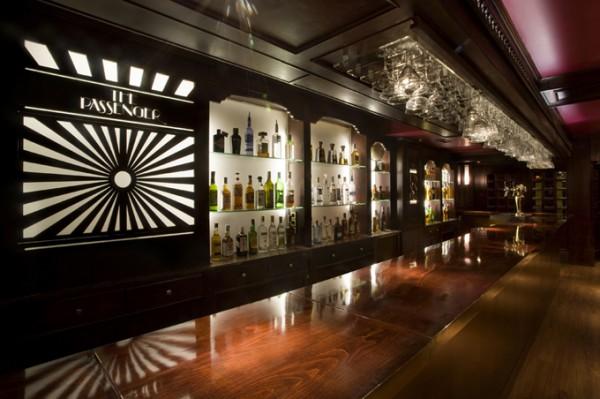 Un restaurante bar al estilo de un viejo vag n - Decoracion de bares de copas ...
