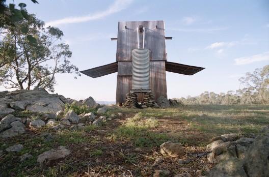 Una cabaña en la cima de la montaña