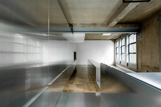 Una casa dentro de una escultura 1