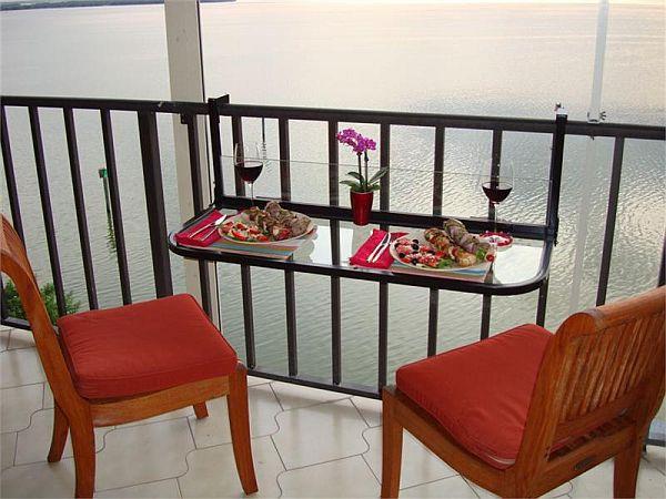 Elementos decorativos para aprovechar el balc n for Mesa colgante balcon