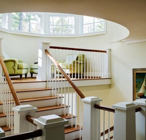 Ideas para espacios modernos junto a escaleras for Escaleras con descanso para interior