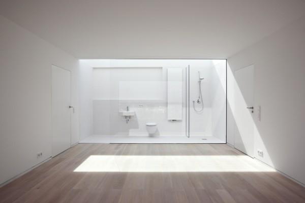 Baño al fondo de la habitación 2