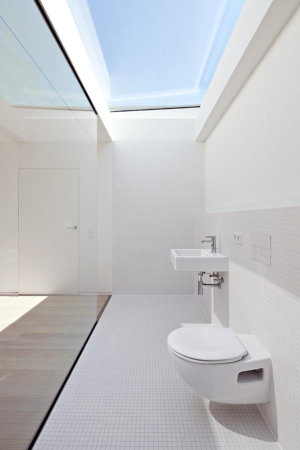 Baño al fondo de la habitación 4