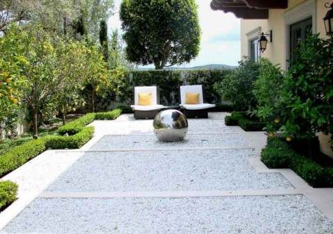 decorar exteriores con piedras blancas 1 - Decoracion De Jardines Y Terrazas