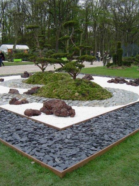 decorar exteriores con piedras blancas