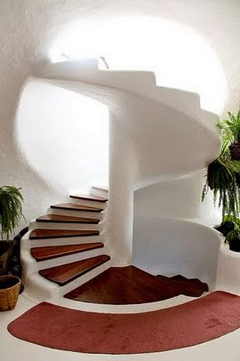 Escalera caracol en viviendas modernas for Escalera caracol 2 pisos