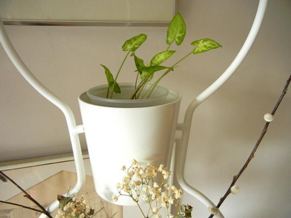 Separa ambientes con soportes verticales de macetas - Soporte macetas ikea ...