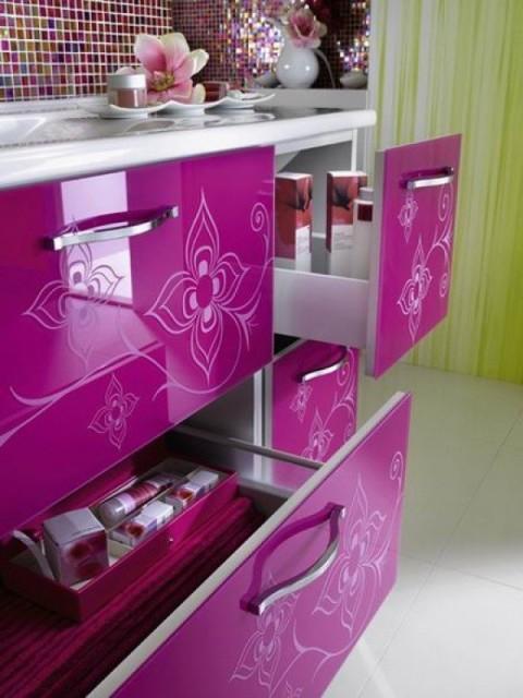 Armarios de colores para ba os modernos for Armarios para cuarto de bano
