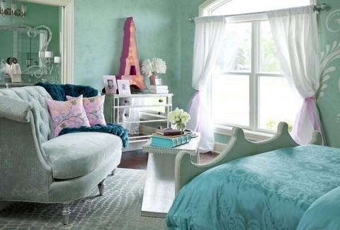 Combina el azul y el rosa para decorar tu habitación
