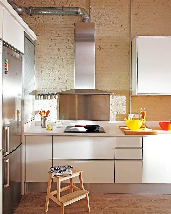 cocina de estilo industrial y ladrillo
