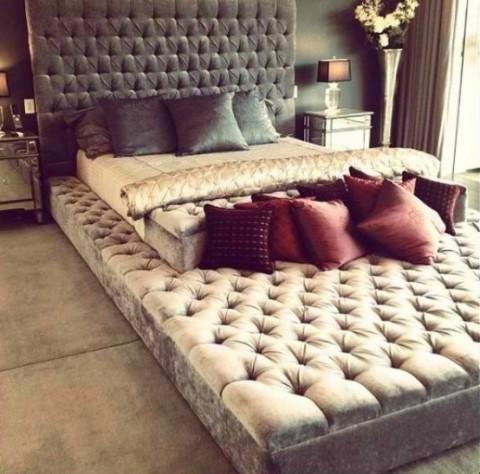 decoraci n a los pies de la cama. Black Bedroom Furniture Sets. Home Design Ideas