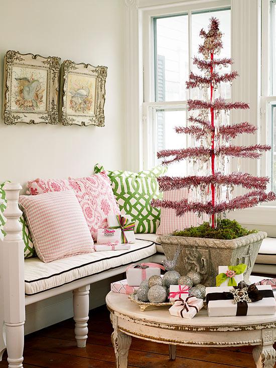 27 inspiradoras ideas para el rbol de navidad for Decoracion navidena minimalista