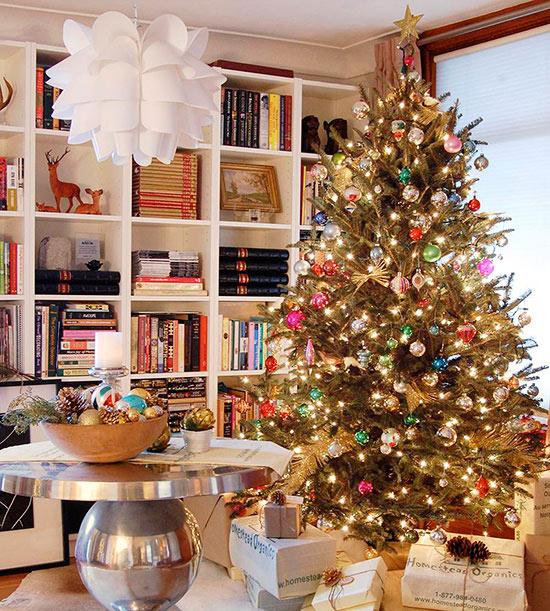 27 inspiradoras ideas para el rbol de navidad for Decoracion navidad piso pequeno