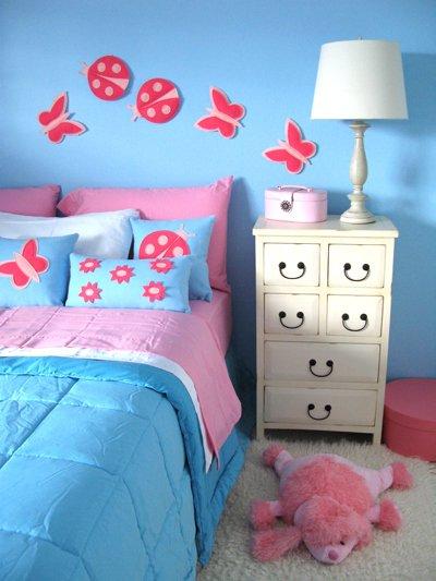 Interiores Con Luz Propia En Azul Rosa Y Amarillo
