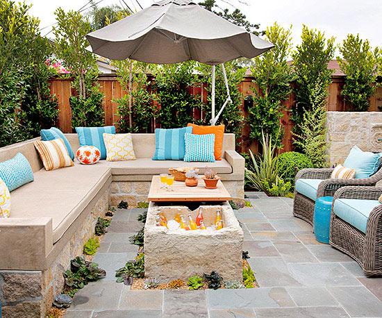 La transfornaci n moderna de un peque o patio - Salon de jardin couvert ...