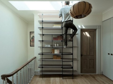 Una librer a de dise o con forma de escalera for Escalera libreria