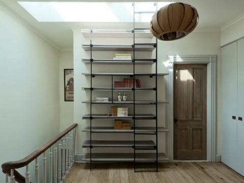 Estantería de diseño con escalera 2
