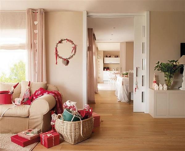 pequeos detalles repartidos por toda la casa para crear un conjunto homogneo la navidad alcanza hasta el ltimo rincn del hogar