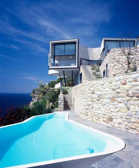 Una casa inusual en un acantilado 4