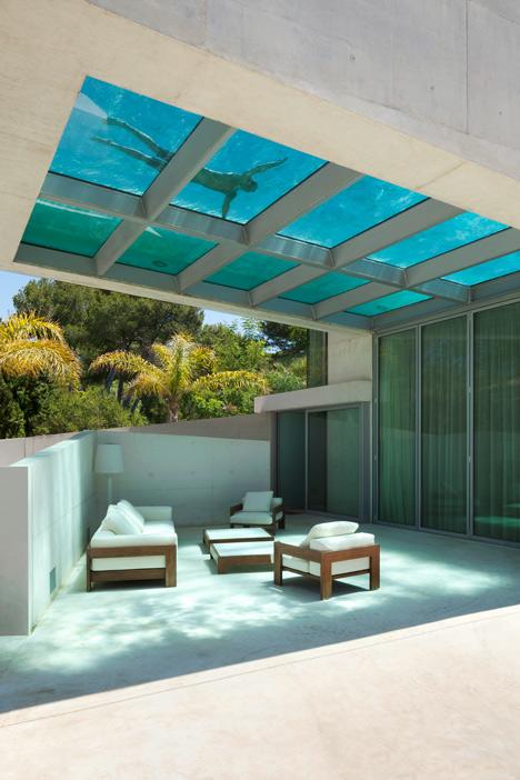 La piscina como parte de la casa 1