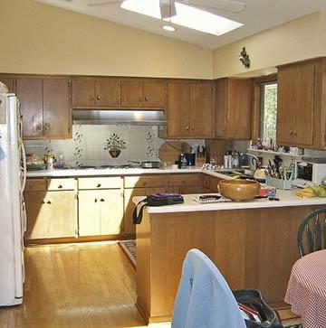 Mesada de madera tipo barra for Como decorar una casa sencilla
