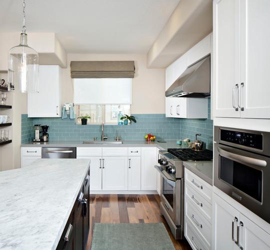 Azulejos estilo metro para darle un toque especial a tu cocina for Cocina sin azulejos