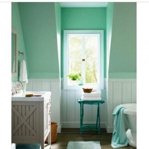 Color verde menta en el baño 1