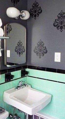Color verde menta en el baño 6
