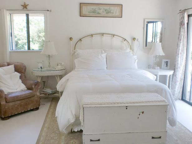 shabby chic el color blanco es la base sobre la que crear un ambiente clsicamente limpio y natural sin olvidar nunca esos toques y alusionea a muebles